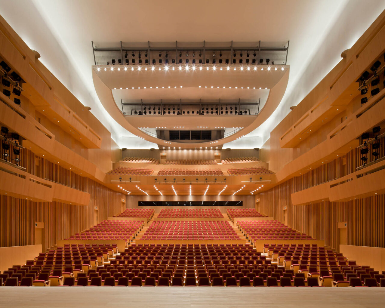 https://www.shizuoka-cb.com/wp-content/uploads/2021/02/photo-venues47-1280x1024.jpg